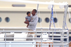 Beyonce And Jay-Z Vacation In The Mediterranean Sea
