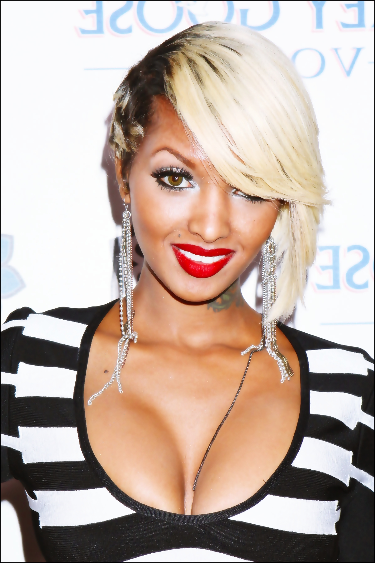 Lola Monroe Hairstyles Lola monroe and los tumblr