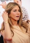 Jennifer+Aniston+Dangle+Earrings+Gold+Dangle+3jtgVjiUhCYl