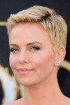 Charlize+Theron+Short+Hairstyles+Pixie+Ew58JYhvU61l