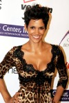 Halle+Berry+Short+Hairstyles+Layered+Razor+9EUwI4eEsYjl
