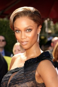 Tyra+Banks+Makeup+False+Eyelashes+OoyLEW_a43fl