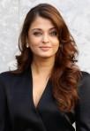 Aishwarya+Rai+Long+Hairstyles+Long+Wavy+Cut+4V-JZSrcMsnl
