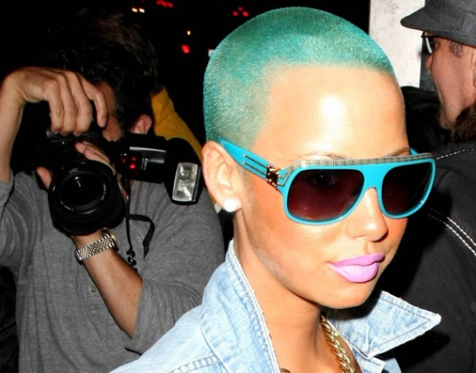 amber-rose-blue-green-hair-05