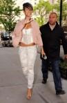 Rihanna+Out+Bodyguard+NY+qZcBImgHkell