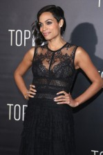 rosario-dawson-top-five-carpet