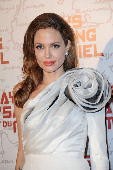 Angelina+Jolie+attends+french+premiere+movie+GHqmnp_x6Cpl