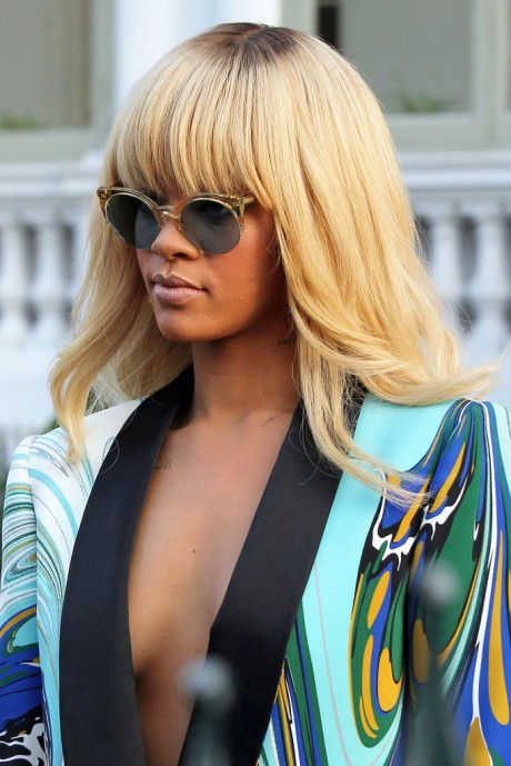 Rihanna+Long+Hairstyles+Long+Straight+Cut+yJ6P21AhEmbx