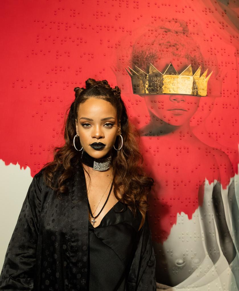 Rihannaupdoshalfuphalfdown2kuc92vqi0fx Messymandella
