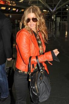 Fergie+wearing+bright+orange+leather+jacket+7ZUXRzqIr3ml